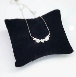 Ожерелье с крылатым сердцем
