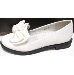 Туфлі білі платформа черная31-37 раз.