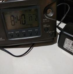 Радио и часы!!!ОТЛИЧНО. РАБОТАЕТ!!!