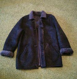 Paltonul de oaie este omul nou. licitație