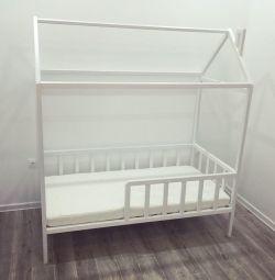 Children's bed house