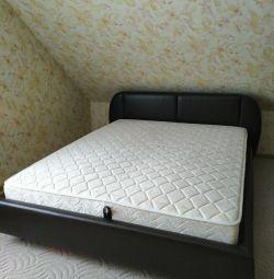 Κρεβάτι με μηχανισμό ανύψωσης και στρώμα
