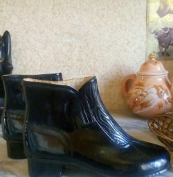Rubber boots 2 pairs