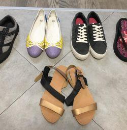 Pantofi 39 r