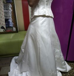 Весільне нове плаття