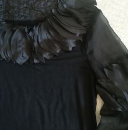 Блузка нарядная чёрная, р-48(50).