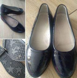 Παπούτσια για κορίτσια μεγέθους 36