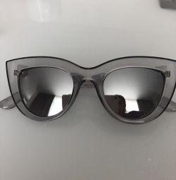 Πουλήστε νέα γυαλιά