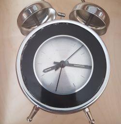 Çalar Saat Momento