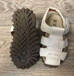Sandaletler yeni r.21