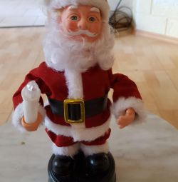Noel Baba bir batarya ile