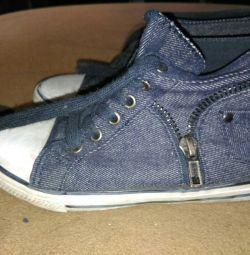 Spor ayakkabısı 29