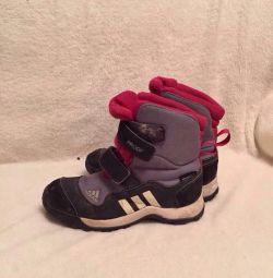 Adidas çizmeler orijinal boyutu 32-33