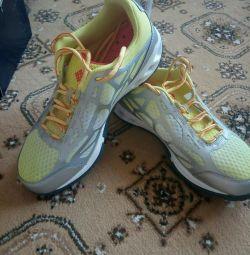 yeni bayan spor ayakkabısı