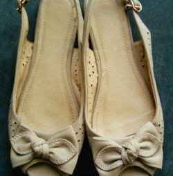 Kadın ayakkabısı