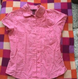Shirt for a girl 12-13 years old