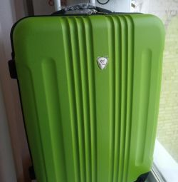 New suitcase with removable wheels, M and L
