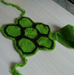Costum de broască țestoasă pe copil.