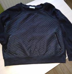 Sweatshirts, hoodies