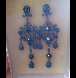 New chandelier earrings in the style of Dolche & Gabana