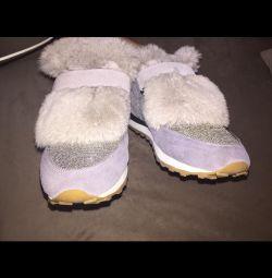 Ανδρικά παπούτσια με φυσική γούνα