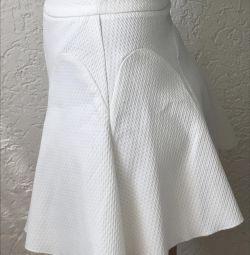 Skirt of dense material H & M