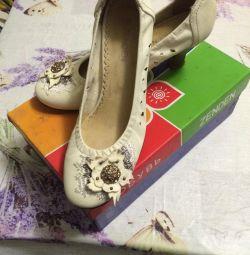 Bayan yazlık ayakkabılar