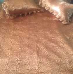 Bedspread with 2 pillowcases