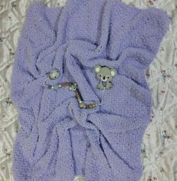 Children's plush blanket