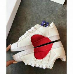 Colecția nouă Adidas