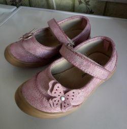 Pantofi r. 24