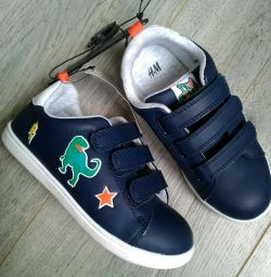 New sneakers H & M, p.29 insole 18cm