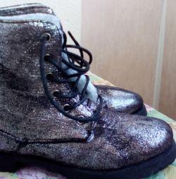 модные стильные ботинки