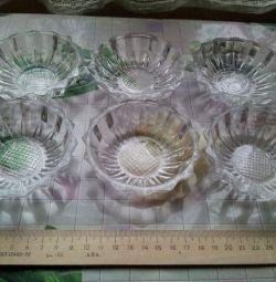 Soclurile sunt din cristal. 4 în stoc.