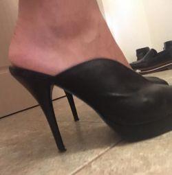 Παπούτσια, σανδάλια