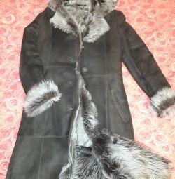 Φυσικό παλτό από δέρμα προβάτου.