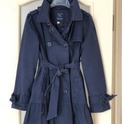 Cloak Trench monsoon England p10-12 years old