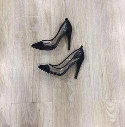 Pantofi BCBG