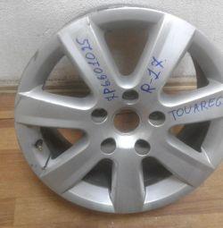 Cast disk Volkswagen Touareg NF R17 oem 7P6601025C (rubbed) (skl-3)