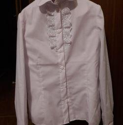 Блуза для дівчинки нова біла 140-146 приталені