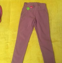 Trousers thin on the girl of 6-8 years
