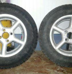 Два зимних колеса на Ваз