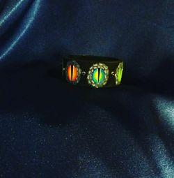 Predator eye bracelet