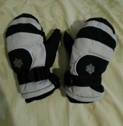 Mittens size for 3-5 years