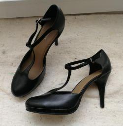 Νέα παπούτσια jumper