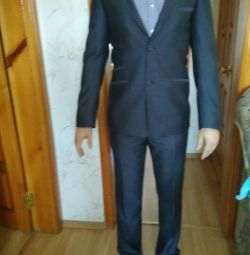 Ανδρικό κοστούμι μεγέθους 46