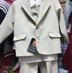 Costum nou pentru băiatul r. 98-104