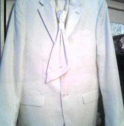 Τρεις κομμάτι κοστούμι!