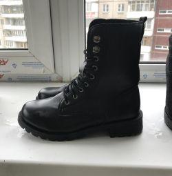 Ботинки новые 36 размер
