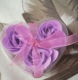 Αρωματικά πετάλια ροζ